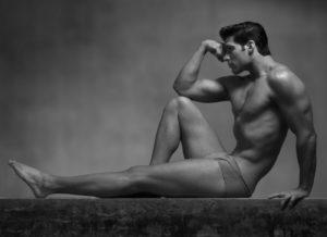Ein athletischer gebauter, durchtrainierter Mann